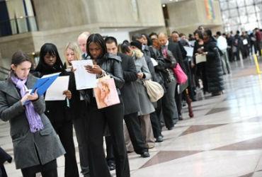 """""""Enorme falta de emprego"""" em 2012"""