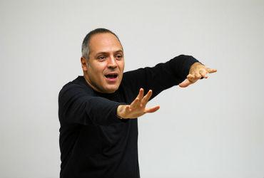 Raul Orofino: Formar com humor