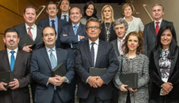 Os melhores gestores e empresas em 2013