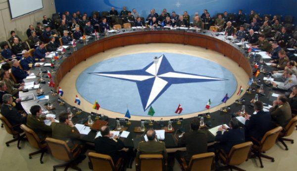 Universidade Católica e NATO juntas na formação