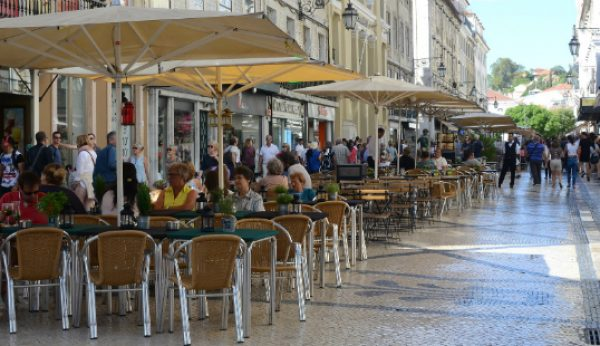 Ofertas de emprego em áreas de Turismo aumentaram 370%