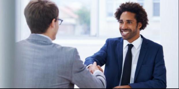 Como brilhar numa entrevista de emprego?