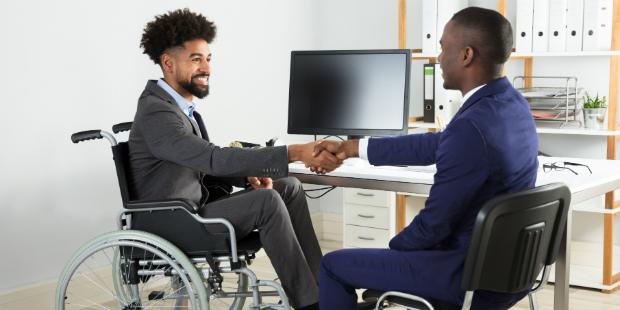 Lei obriga empresas a contratar pessoas com deficiência